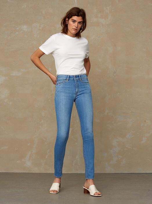 K.O.I. Jeans Jeans Juno High [veggie light] jetzt im Onlineshop von zündstoff bestellen