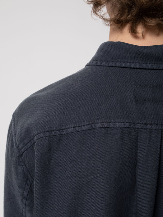 nudie Jeans Hemden & Polos Chuck Fluid Twill [navy] jetzt im Onlineshop von zündstoff bestellen