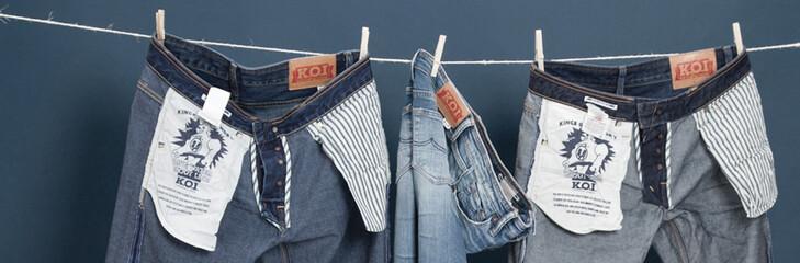 Jeans von Kings of Indigo an einer Wäscheleine