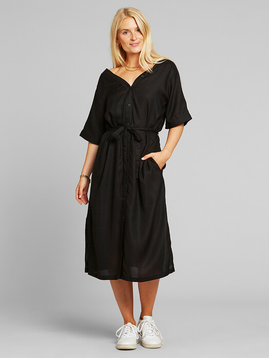 Dedicated Kleider Bornholm [black]  jetzt im Onlineshop von zündstoff bestellen