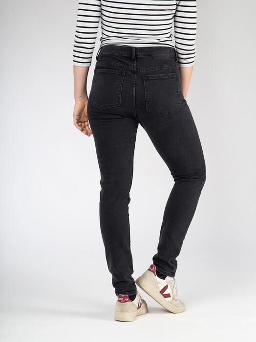 ARMEDANGELS Jeans Tillaa [washed down black] jetzt im Onlineshop von zündstoff bestellen