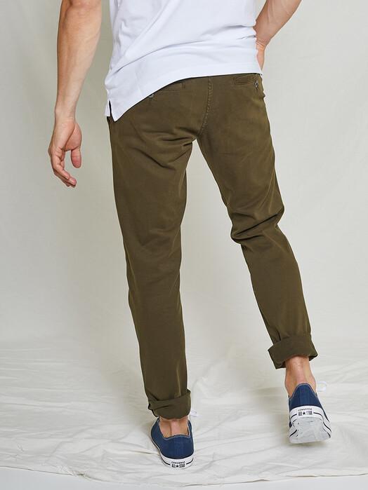 Kuyichi Jeans Chinos & Hosen Dexter Chino [dark green] jetzt im Onlineshop von zündstoff bestellen