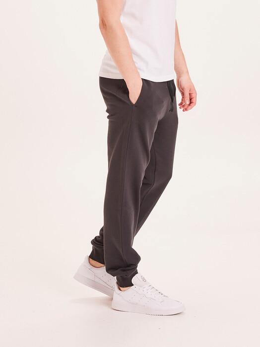 Knowledge Cotton Apparel  Chinos & Hosen Teak Sweat Pants [black jet] jetzt im Onlineshop von zündstoff bestellen