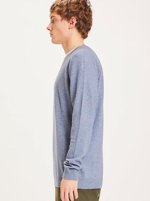 Knowledge Cotton Apparel  Strickpullover Field O-Neck Knit [blue fog] jetzt im Onlineshop von zündstoff bestellen