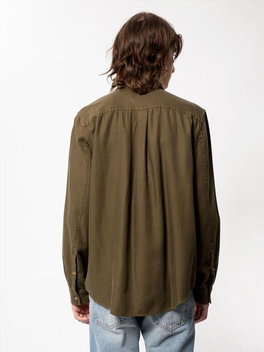 nudie Jeans Hemden & Polos Chuck Fluid Twill [army] S jetzt im Onlineshop von zündstoff bestellen