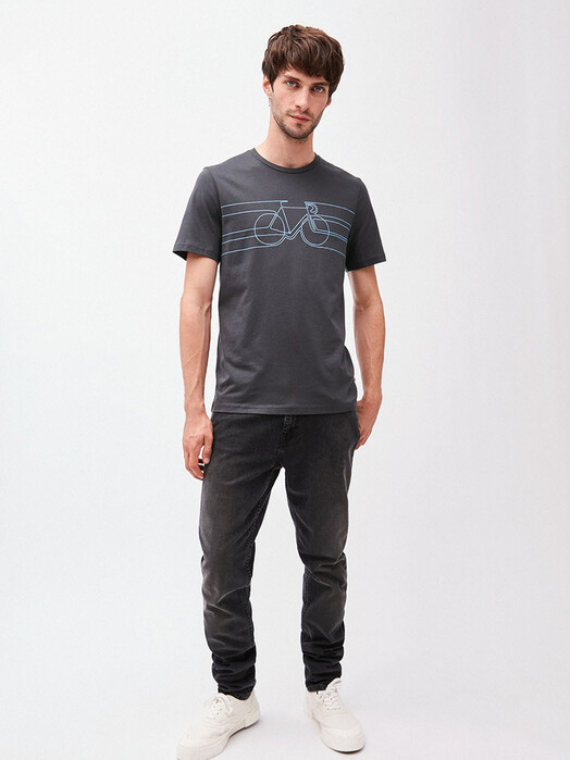 ARMEDANGELS T-Shirts Jaames Smooth Bike [acid black] jetzt im Onlineshop von zündstoff bestellen