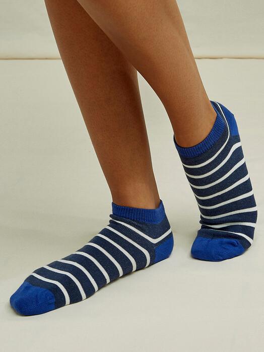 People Tree  Socken  Mini Stripe Trainer Socks [navy] jetzt im Onlineshop von zündstoff bestellen