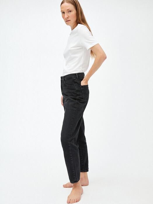 ARMEDANGELS Jeans Mairaa [washed down black] jetzt im Onlineshop von zündstoff bestellen