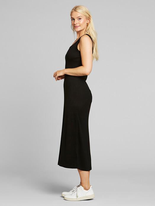 Dedicated Kleider Kristinehamn [black] jetzt im Onlineshop von zündstoff bestellen