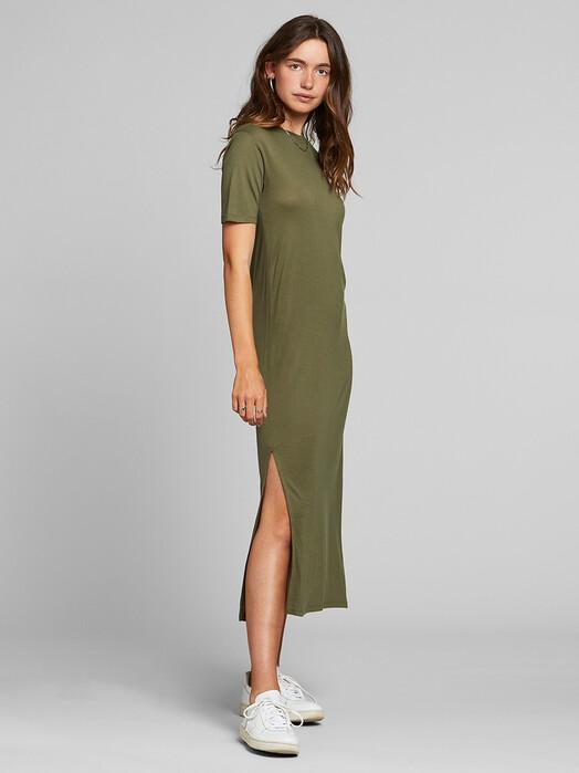 Dedicated Kleider Ronneby [leaf green] S jetzt im Onlineshop von zündstoff bestellen