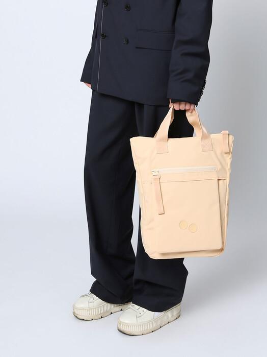 pinqponq Rucksäcke & Taschen Tak [sunsand apricot] One Size jetzt im Onlineshop von zündstoff bestellen