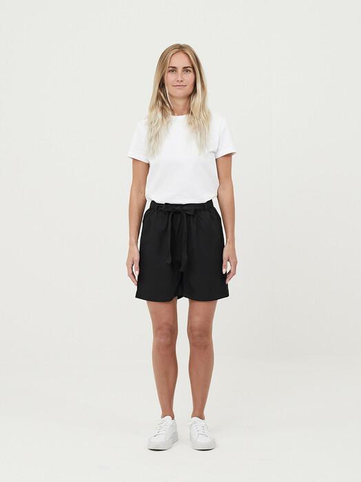 Knowledge Cotton Apparel  Shorts Tulip Paper Bag Shorts [black jet] jetzt im Onlineshop von zündstoff bestellen