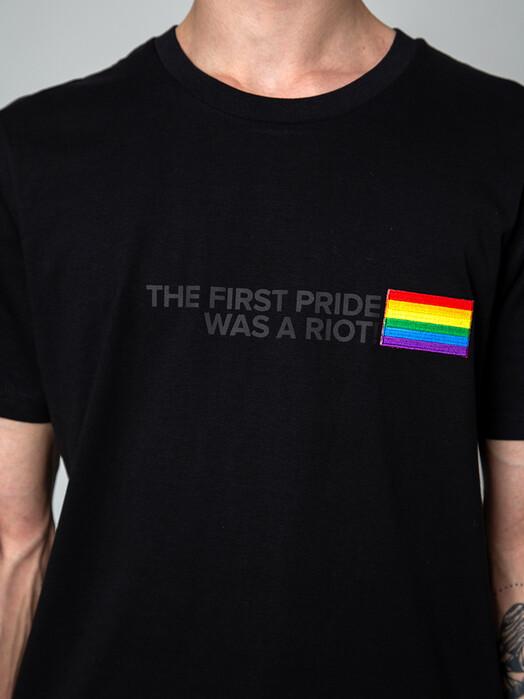 Kombinat 161 T-Shirts T-Shirt #firstpride [black] jetzt im Onlineshop von zündstoff bestellen