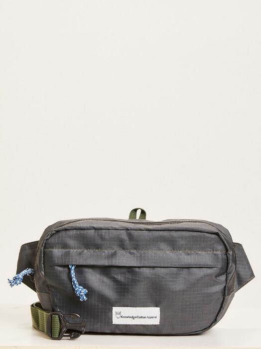 Knowledge Cotton Apparel  Rucksäcke & Taschen Cross Over Body Pack [black jet] One Size jetzt im Onlineshop von zündstoff bestellen