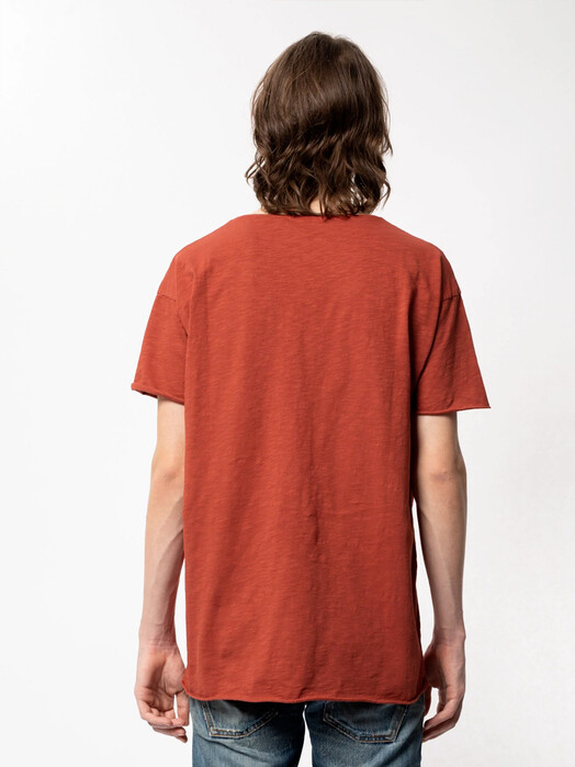 nudie Jeans T-Shirts Roger Slub [poppy red] M jetzt im Onlineshop von zündstoff bestellen