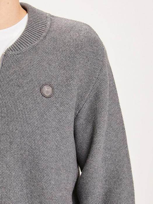 Knowledge Cotton Apparel  Strickpullover Field Pique Badge Cardigan [dark grey melange] jetzt im Onlineshop von zündstoff bestellen
