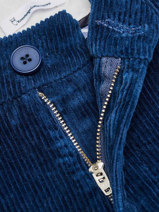Knowledge Cotton Apparel  Chinos & Hosen Chuck Stretched Corduroy Chino [dark denim] jetzt im Onlineshop von zündstoff bestellen
